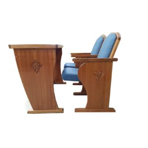 כסאות לבית הכנסת