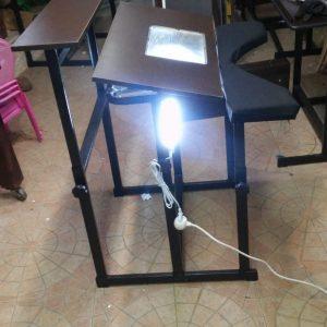 """שולחן אור לסופר סת""""ם"""