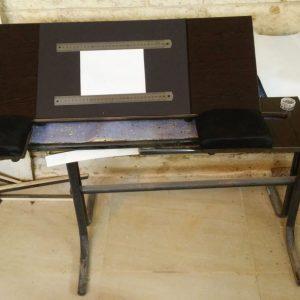 שולחן נייד לסופר סתם