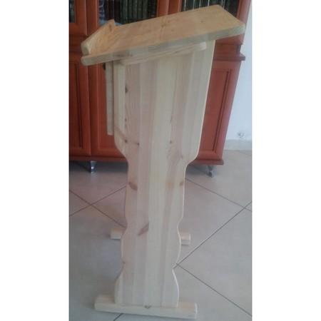 סטנדר מעץ עם תא ומפתח