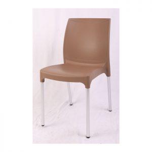 כסא פלסטיק חום