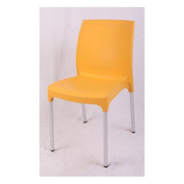 כסא פלסטיק כתום