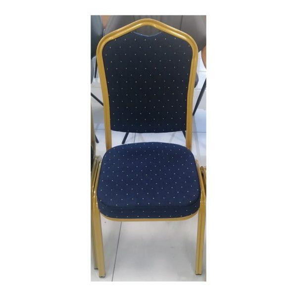 כסאות מרופדים כחולים